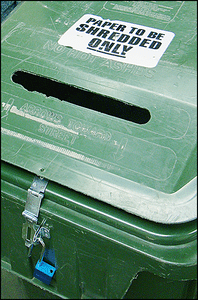 Green Shred Bin Security Unlocked 72 dpi